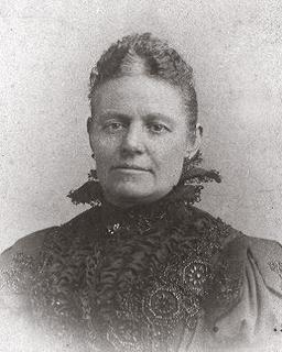 His wife Elisabeth (1851-1940) originated from Kekerdom/The Netherlands.