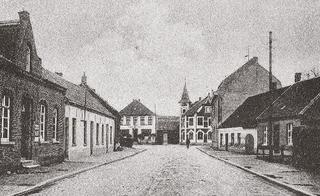 Bahnstraße, view from the north in the direction of the Villa Janssen, postcard-view around 1920.